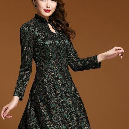Lace Long Sleeve Temperament Is Luxury And Generous Dress