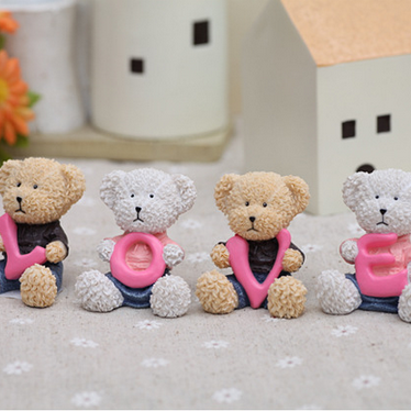 Resin handicrafts love expression bear ornaments a gift of love