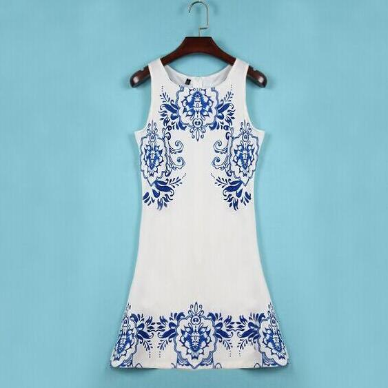 2015 the European and American sleeveless printed retro blue and white porcelain dress