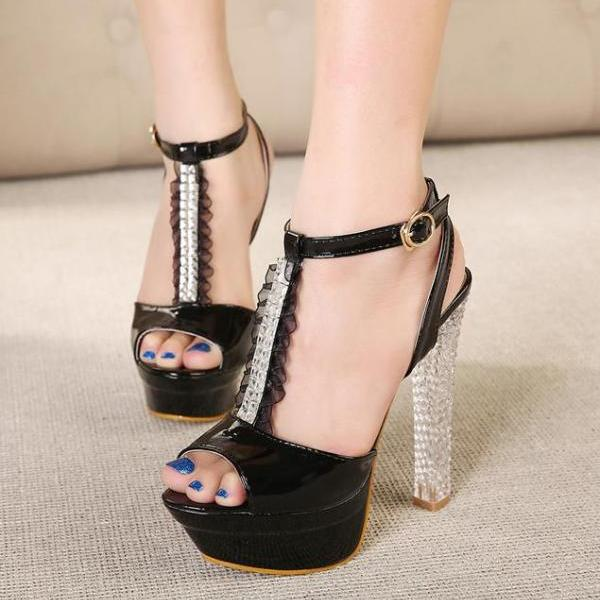 Female Sweet Crude Sandals With Crystal And Chunky Heel