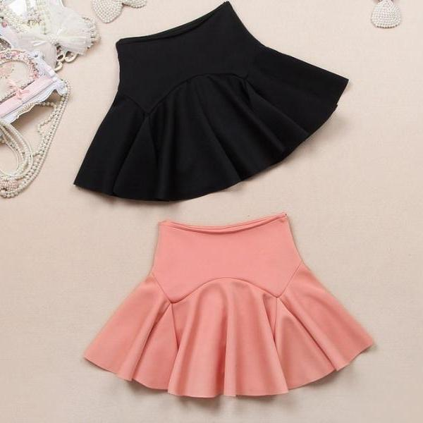 High-Waisted Ruffled Short Skater Skirt Featuring Princess Seam
